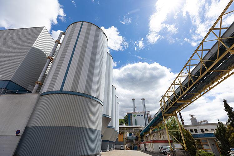 Wirbelschichtofen zur thermischen Reststoffverwertung und Energieerzeugung