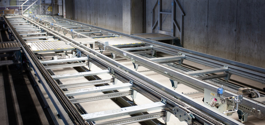 Kremsmüller has been successfully installing warehouse and conveyor technology for many years.